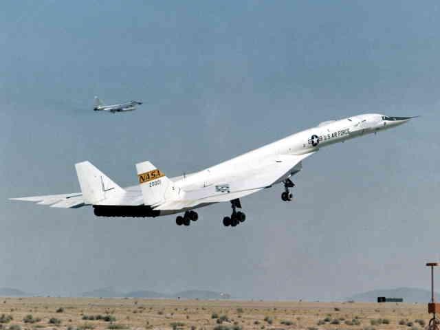 NASA ED97-44244-2 XB-70 Valkyrie with TB-58 Chase